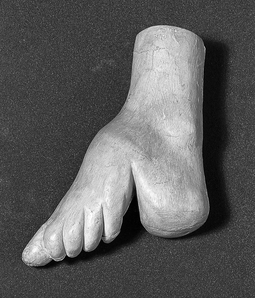 foot binding image